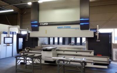 Nieuwe Kantbank LVD 220 ton 4 meter easyform in gebruik